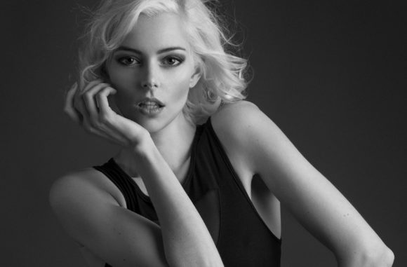 Video: Monochrome Fashion